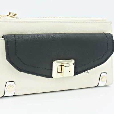 Bessie purse 3 PI low res